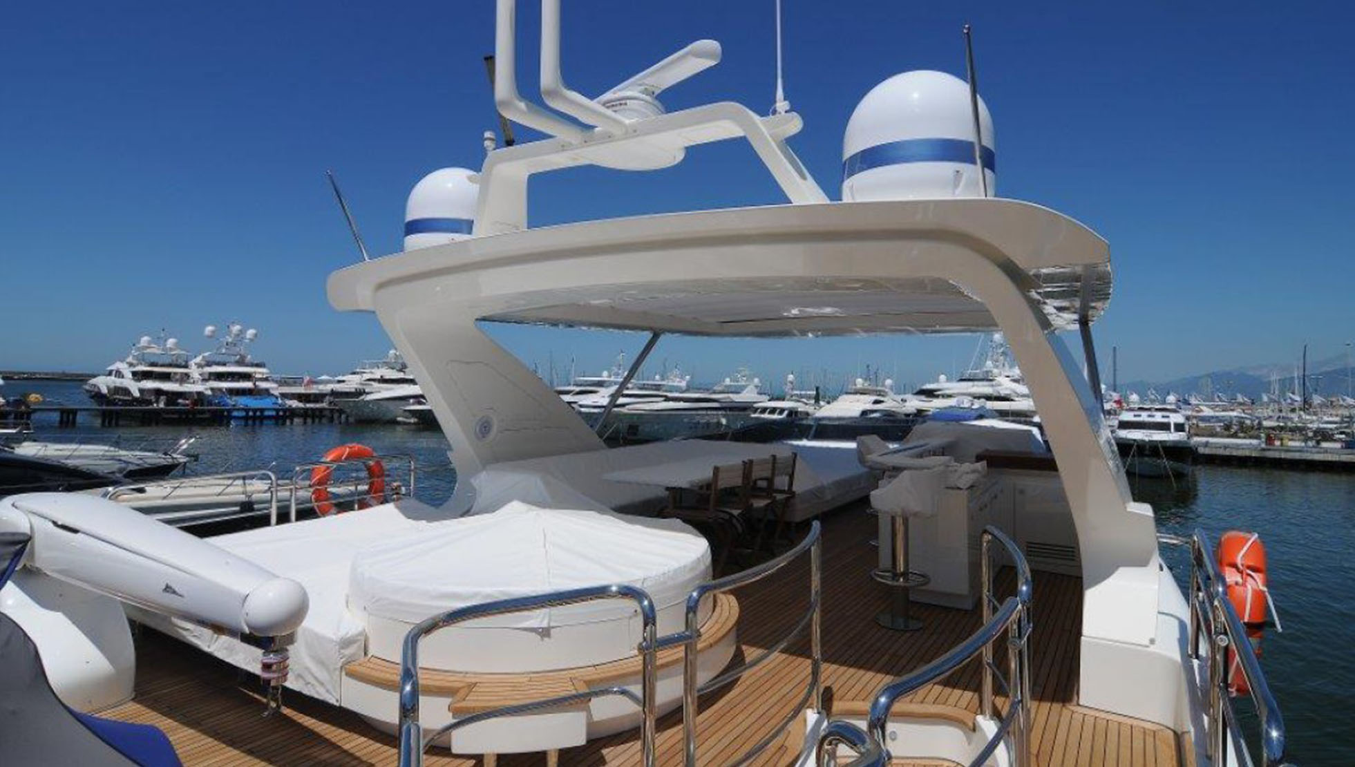 Azimut 84 Yacht for Sale 3
