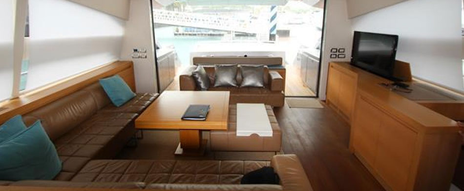 Pershing 80 Yacht for Sale - Interior view