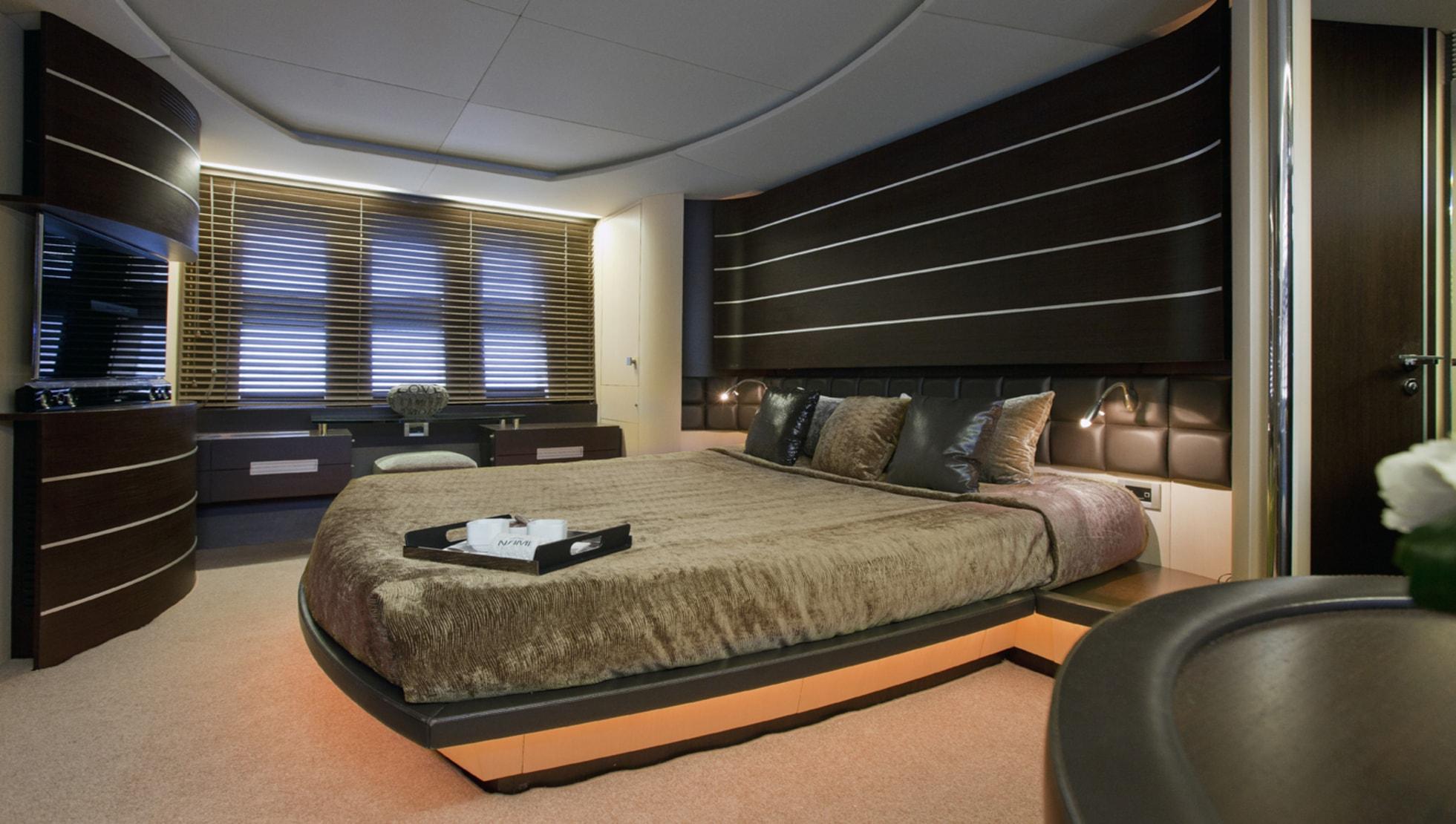 Master suite is full-beam