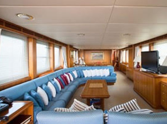 Evnike Yacht for sale - Amenities - Extra Large Couch