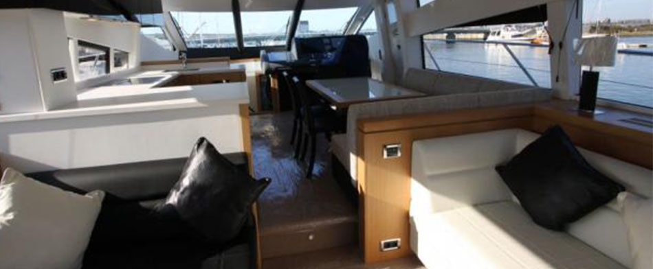 Leeloo Yacht for Sale - Interior view