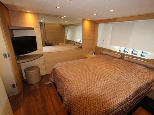 Pershing 80 Yacht for Sale - Amenities - Spacious Cabins