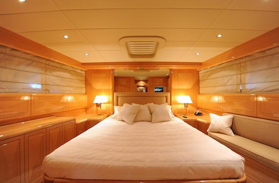 3 bed & 3 bath layout