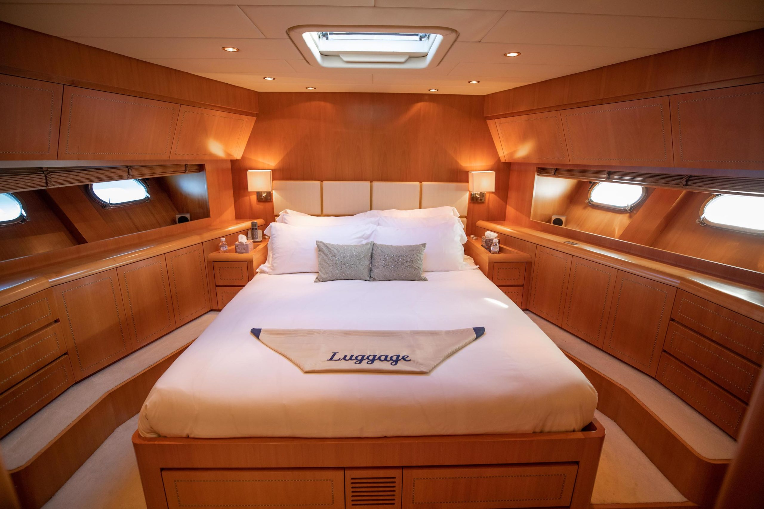 Big cabins for a yacht that size