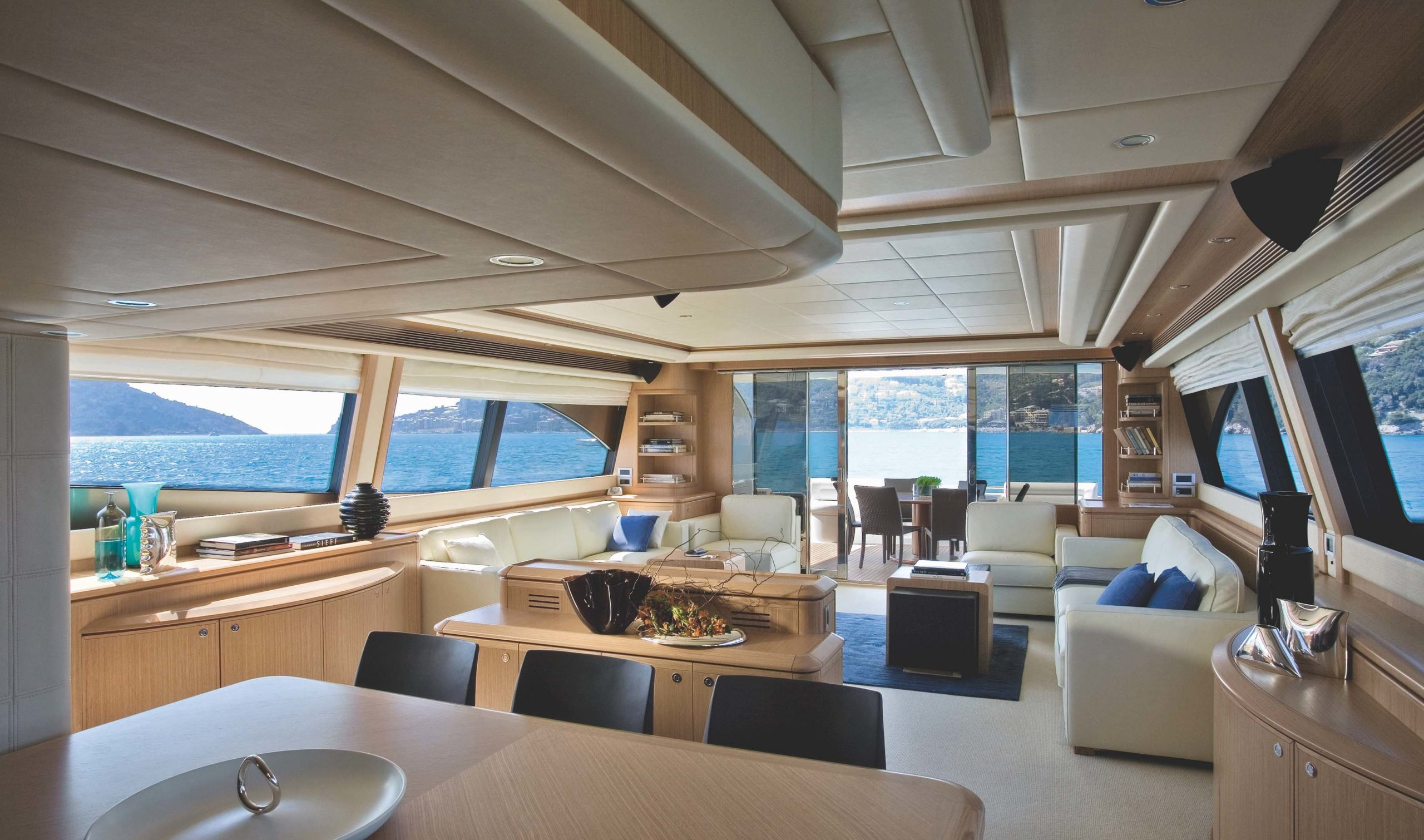 An exceptional interior brightness for this type of boat
