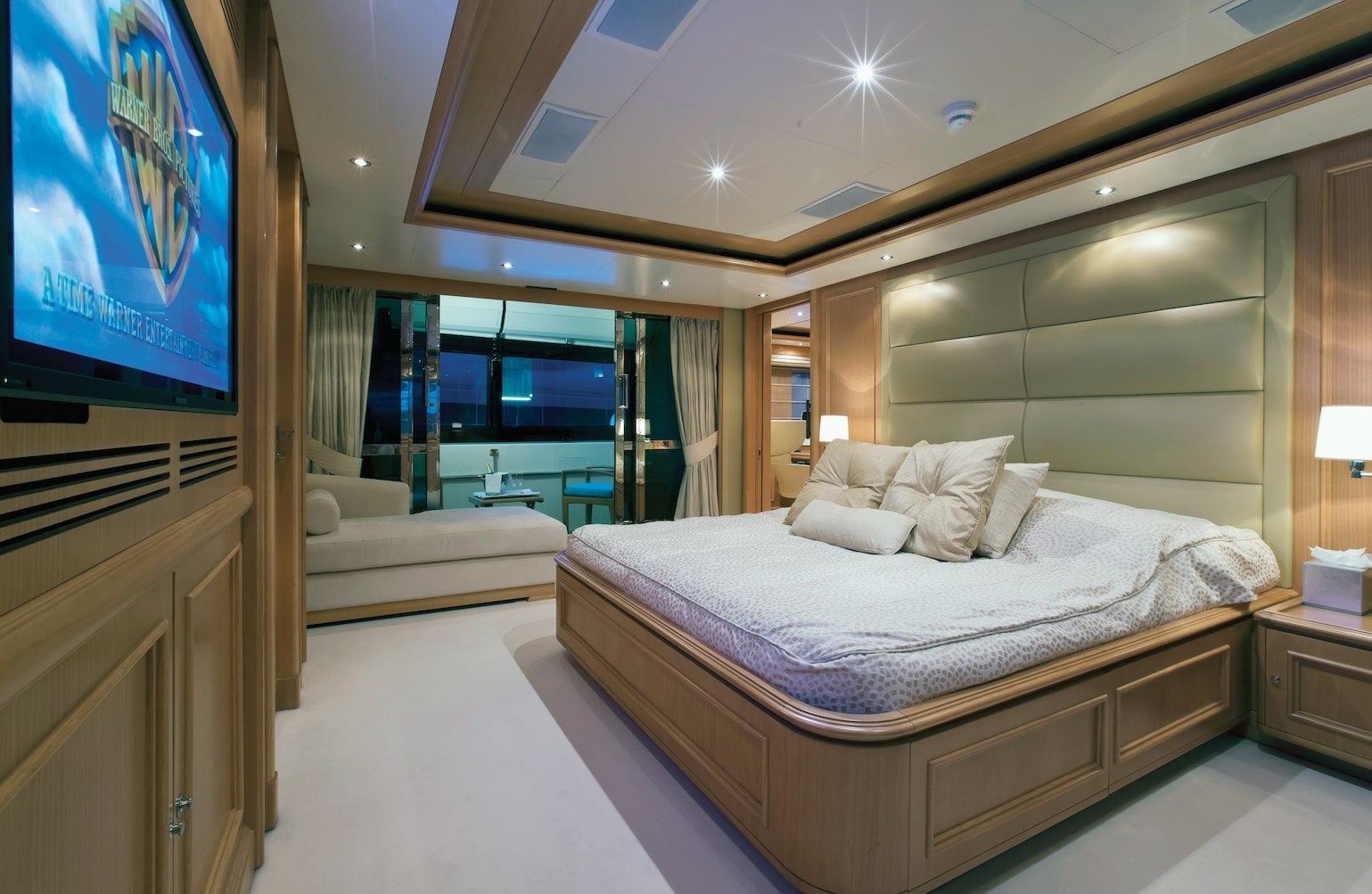 Full-beam Master Suite with Private Balcony