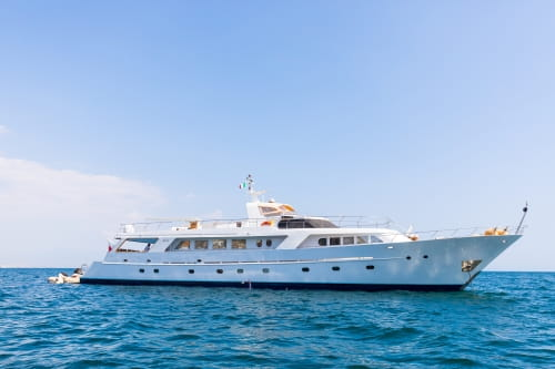 A Classic Benetti yacht joins our fleet!