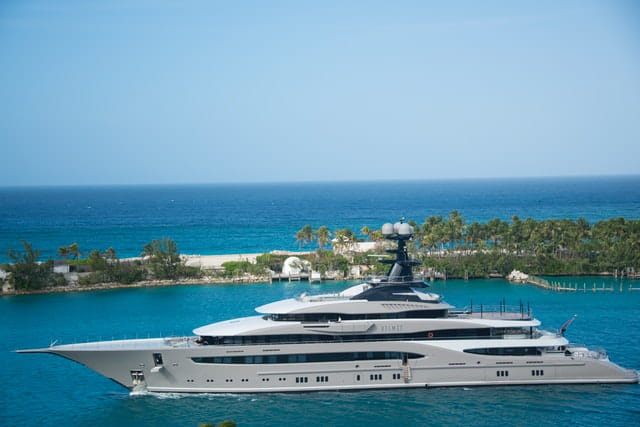 Traveling on a yacht for luxury vacations after Covid-19