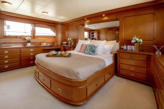 Fully equipped master cabin on main deck