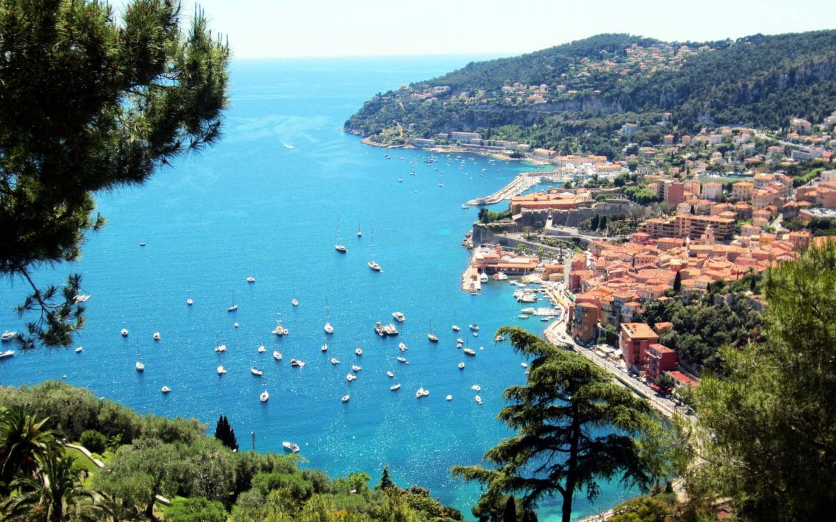 For this summer, yachting on the French Riviera